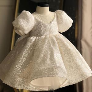 Magnifique Hi-Lo perlées Little Girls Pageant Robes 2020 robe de bal hiérarchisé Backless Flower Girl Dress pailletée Première sainte communion Robes