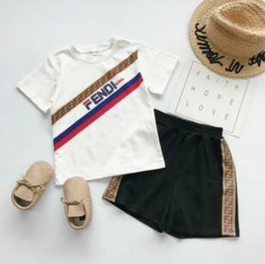 Dos niños de diseño de lujo situado pieza Trajes impresa letra de la ropa de moda Imprimir chándales Niño de moda de la camiseta + shorts ropa unisex