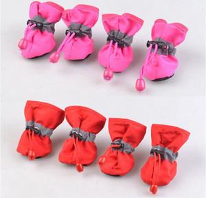 Nuevos zapatos para mascotas portátiles cubren antideslizantes botas de lluvia a prueba de agua Otoño Invierno Peras Patas Suaves Zapato antideslizante cubierta del zapato del animal doméstico Suministros para perros