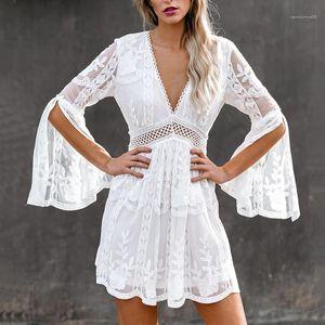 Flare manches Robes New Arrival Vêtements pour femmes 20SS femmes Designer Robes Fashion V Neck évider