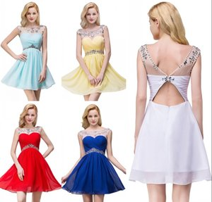 2019 Em armazém frisados Royal Blue curto Mini Vestidos Homecoming Prom partido Sheer Neck plissadas Chiffon graduação Júnior vestido de cocktail CPS094