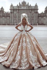 Vintage Champagne lentejuelas Appliqued cordón del vestido de bola de los vestidos de lujo Wedidng espagueti Una línea de talla vestido de novia Dubai Arabia