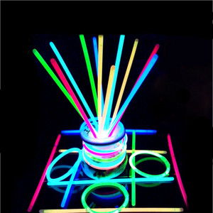 1Lot 100 pieces Multi Color Hot Glow Stick Neon Party Flashing Light Stick Wand Novelty Toy LED Vocal Concert LED Flash Sticks YD0542