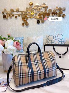 B designer luggage bags high quality letter print long designer handbags 2 sizes luxury duffle tote clutch duffle designer bags
