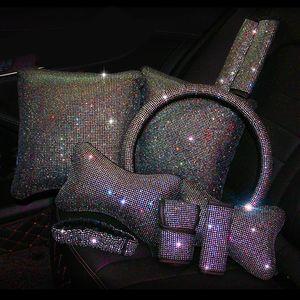 colorido cubierta del volante del Rhinestone cristalino de la cubierta del cinturón de seguridad de Bling del interior del coche Accesorios para automóviles almohadilla de las mujeres del diamante del cuello