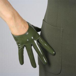 Frauen Art und Weise PU-Leder ultra kurze Handschuhe Lackleder Simulation Leder Bright Green Multicolor Precision Unlined TB08 SH190921