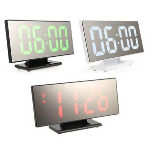 Digital superficie dello specchio sveglia con ampio display LED Porta USB Tabella Orologio digitale Display della temperatura della decorazione della casa