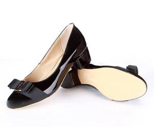 Marchio di moda Logo Designer in vera pelle Designer casual da viaggio Ballerine in pelle piatta donne scarpe piatte Sz 35-41 xinfa18032408