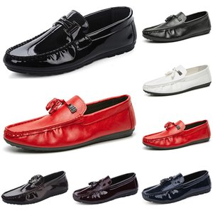 2020 Designer luxury men women casual shoes black loafers flat Patent leather slip on fashion mens trainers sneakers size 39-44 color24