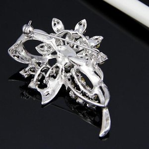 Amazing Diamante And Pearl Flower Brooch For Wedding Exquisite Lady Cotume Pins Brooch Boutique