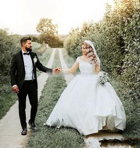 Plus Size Paese Abiti da sposa con maniche lunghe Applique Pizzo Sequins Satin Princess Vestido De Novia Abiti da sposa