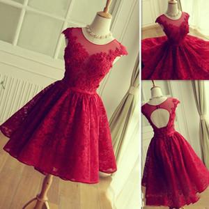 Sheer Collo Rosso brevi vestiti da Homecoming con Appliqued merletto maniche corte in pizzo cocktail promenade Dreses a basso costo