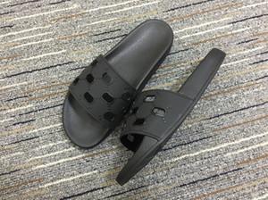 erkek kabartmalı cut-out imza logolu modacı sportif havuz kauçuk slayt sandalet düz terlik womens