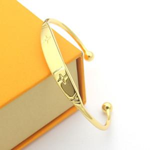 Factory price direct selling V-letter printing four leaf flower C-shaped opening Bracelet couple foreign trade opening Bracelet