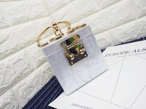 La forma di design Donne Borse Designer Piazza frizione acrilico sera del sacchetto del metallo Wristlets partito del mini bauletto borsa Beach Bag Y19061204