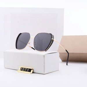 Top Rhinestones Sunglasses Womens Big Frame Polarized Sunglass Eyewear Women Trend Ladies Buffalo Horn Sun Glasses 2020 8824