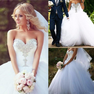 2020 Long Ball Gown Sweetheart Crystals Wedding Dress Tulle Lace Up Back Floor Length Bridal Gowns