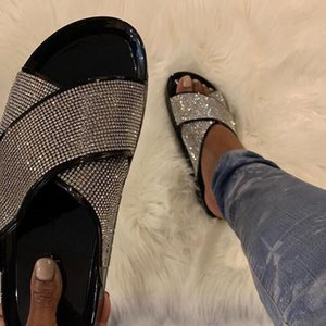 Puimentiua New Bright Diamonds Sandales d'été Femmes plate-forme extérieure Flip Flop strass Fashion Boucle Lazy Chaussons