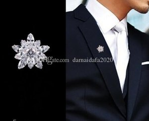 New high quality designer crystal small snowflake men's micro-inlaid zircon brooch ladies clothing accessories accessories