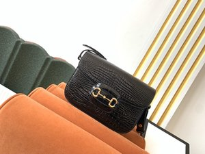 G602204 retro fashion, star style, top quality alligator leather saddle bag