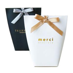 """10PCS 블랙 화이트 브론 징 프랑스어 """"메르""""용지 캐디 백은 패키지 결혼식 생일 파티 호의 가방에 대한 당신 선물 사탕 상자 감사"""