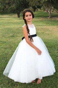 White Princess Flower Girl Dresses 2019 New Tulle Sheer Girl Pageant Gowns Simple Bow Sash Ankle Length Lace Girls Birthday Party Gowns F22