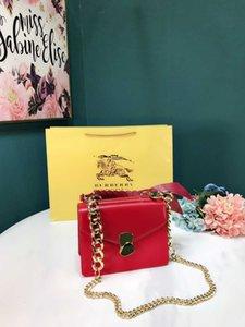 Ladies bag 2019 new casual three-color selection Large-capacity handbag Flip closure design fashion ladies Messenger bag size21*16cm