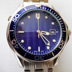 2020 4 styles Hommes professionnel 300 m James Bond 007 cadran bleu saphir Automatique Montre Hommes de montres