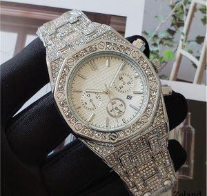 Top marque grande taille Diamonds Montre Homme Luxury Designer automatique Date de calendrier d'or Wristwatch Sports style militaire Big numérique Homme horloge