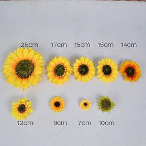 10pcs 7cm / 17cm / 26cm De seda de girasol Cabeza de flor artificial para la boda de la decoración hecha a mano Scrapbooking Accesorios Flores falsas