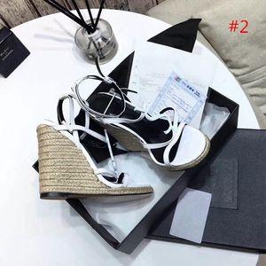 Calidad superior de la nueva llegada de la manera de las mujeres de tacones altos sandalias de cuero de gamuza suave casuales zapatos de la sandalia de la señora de negro talones al aire libre grande del tamaño del talón 1