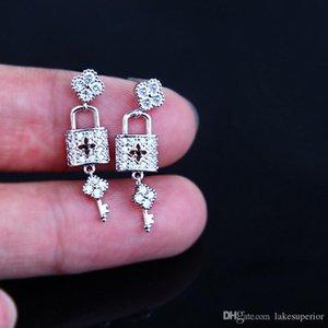 Yeni Geliş 925 Gümüş Kilit Anahtarı Stud Küpe Kadınlar Kızlar Zirkon Küpe Hediye Aşk Kız Moda Takı Aksesuar