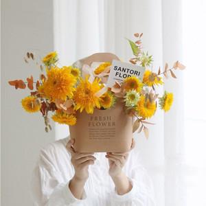 Karton Kutu Çanta Çiçekçi Malzemeleri 5pcs Packaging Ambalaj Kulp Taze Çiçek Hediye ile Kraft Çiçek Kağıt Kutular / lot
