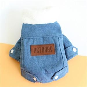 Warm verdicken Hunde-Kleidung weicher Plüsch Hündchen Cotton Padded Knopf Kleidung Cowboy Mäntel Modedesign Haustier Kleidung 18jz H1