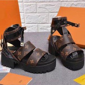 2020 Yeni Kadın Üst Kalite Platformu Sandalet Gerçek Deri Kamalar Yüksek Topuklar Ayakkabı Moda Antiskid Kadın Toka Plaj Terlik ile Kutusu