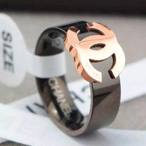 Yeni Geliş Kadın Halkalar Toptan için Top Kalite 3 Renk Siyah Altın Kaplama Yüzük 316L Titanyum çelik takı Soluk Değil