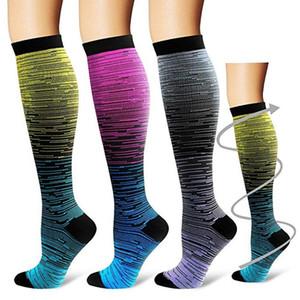 3 paires Sports de plein air Compression Chaussettes unisexes Chaussettes de sport longues genou Gradient Imprimé Polyester Nylon Bonneterie Chaussures Accessoires Nouveau