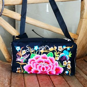 2019 new Yunnan national wind embroidery flower bag canvas casual simple ladies three-layer shoulder Messenger bag