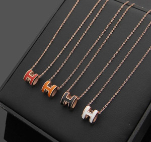 2019 Diseñador 316L Collar de serpiente colgante de acero de titanio con forma de esmalte H en muchos colores 47 cm de longitud joyería envío gratis