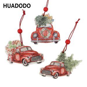 HUADODO مل 3pcs عيد الميلاد شاحنة المعلقات خشبية الحلي للزينة شجرة عيد الميلاد زخرفة السنة الجديدة اللعب حزب كيد