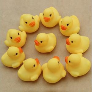 Vente en gros bébé Bain d'eau de canard Jouet avec sons Mini caoutchouc jaune Canards de bain Petit canard Jouet enfants piscine plage cadeaux bain Jouets DBC BH3690
