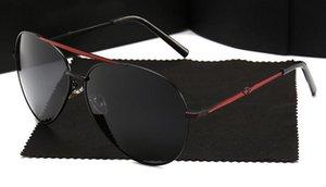 Nuova 400 occhiali da sole polarizzati degli uomini Occhiali da sole Sci Donne Anti-UV di modo classico Clam Mirror Mirror marea di guida Specchio 8585