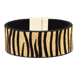Nuovi braccialetti leopardati per le donne Boho Leather Resin acrilico Punk Vintage Maxi regolabile Bracciale 18.5x2.6cm