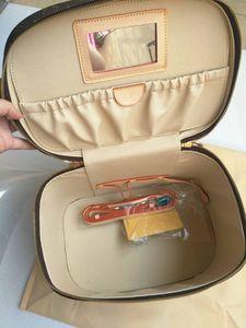 Yüksek kaliteli Kadınlar kozmetik çantası hakiki deri makyaj çantaları kutu büyük seyahat organizatörü seyahat tuvalet çantası totes makyaj