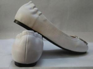 Calda design Sale-Mocassino Mocassini Famous Brand Travel Prom Flats Fibbia in metallo Ballerine Donne pecora pattini di cuoio genuini SZ 35-41