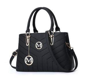 New luxury Fashion designer Women Handbags belt Speedy Inclined Shoulder Bag Hobo Crossbody Bags ladies totes Casual Boston bags Purse