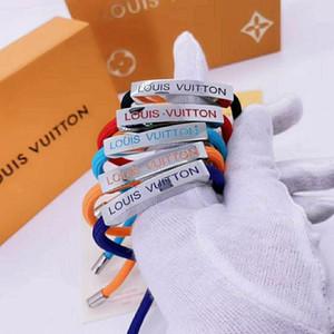 Novo padrão com caixa de luxo de jóias pulseira mulheres mão corda colorida Cadeia de aço inoxidável pulseira LV designer de pulseira gif