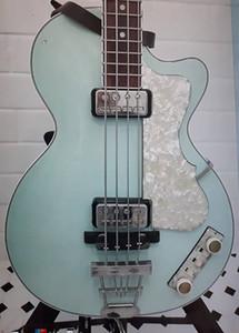 """125 주년 기념 1950 년대 Hofner 현대 HCT 500/2 바이올린 클럽베이스 라이트 그린 일렉트릭 기타, 30 """"쇼케이스, White Pearl Pickguard"""