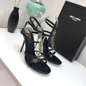 Marca de lujo nuevos zapatos Sexy Mujer Verano Hebilla Correa Remache Sandalias Zapatos de tacón alto Punta estrecha Moda de moda Solo Alto talón10.5cm