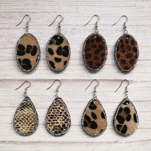 Joyería de otoño Crystal Pave Surround Pendientes de gota de cuero de imitación de leopardo ovalado de lágrima para mujer Pendientes de boutique de forma de lágrima ovalada